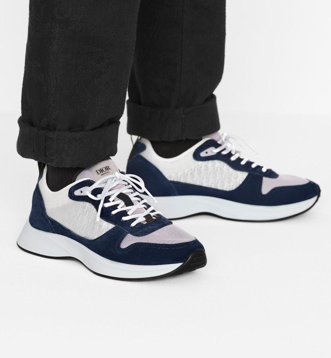 B25 Runner Sneaker